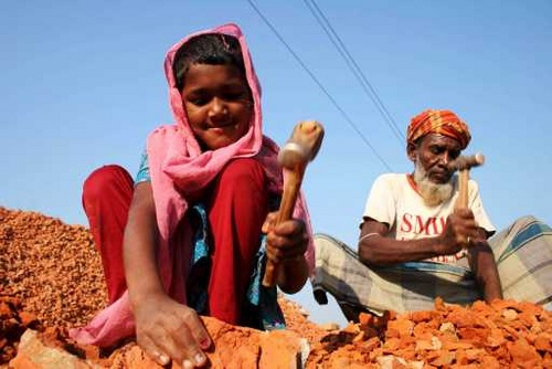 Children in India mine for mica in dangerous working conditions.