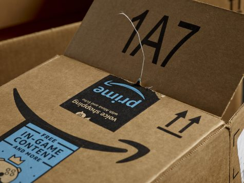 Amazon Races to Reel in the Workforce